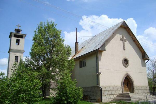 esztelneki-kolostor-templom6B35905C-4904-2DFD-F887-7A863D3828AA.jpg